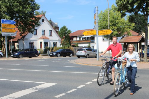 Die Daverdener Kreuzung war auf der Tour der Ideen von Dörte Liebetruth ein wesentlicher Programmpunkt.