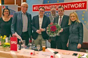 von links: Vize-SPD-Kreisvorsitzende Petra Roselius, SPD-Kreischef Bernd Michallik, EU-Abgeordneter Tiemo Wölken, Oytener Bürgermeisterkandidat Heiko Oetjen, Landrat Peter Bohlmann und SPD-Landtagsabgeordnete Dr. Dörte Liebetruth