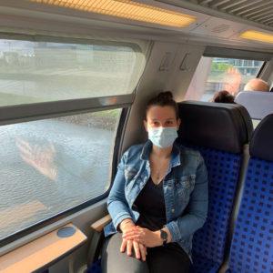 Kira Georg im Zug
